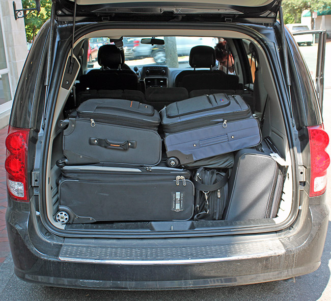 Luggage,Packing,Minivan