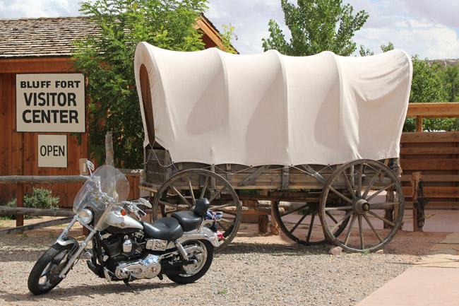 Motorcykel,Prærievogn,Bluff,Bluff Fort