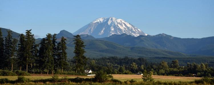 Far view,Mount Rainier,Seattle