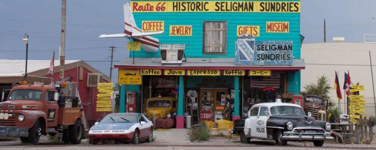 Gamle biler,Historic Seligman Sundries