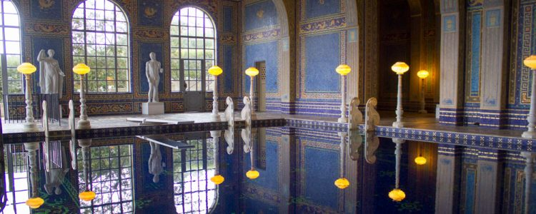 Indendoers pool,Hearst Castle,Californien
